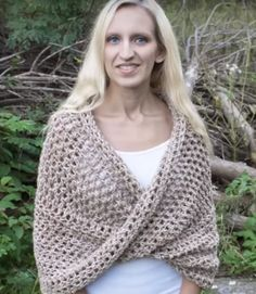 How to Crochet Mobius Twist Shawl and Hooded Cowl Video Tutorial Sie Cowls Dreieck How to Crochet the Foundation Double Crochet Stitch (fdc) (photo + video tutorial) - Hastag Stalk Débardeurs Au Crochet, Crochet Twist, Crochet Dishcloths, Easy Crochet, Tutorial Crochet, Crochet Stitch, Double Crochet, Crochet Vest Pattern, Crochet Hooded Cowl