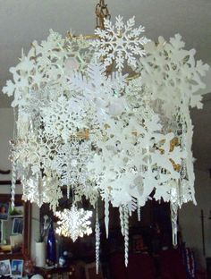 Make The Best of Things: Glittery Silvery Snowflake Chandelier DIY