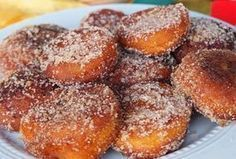 cherry jam filled sour cream donuts - These pictures might make you drool and lick your monitors! Wine Recipes, Soup Recipes, Dessert Recipes, Cooking Recipes, Portuguese Desserts, Portuguese Recipes, Christmas Desserts, Christmas Baking, Sour Cream Donut