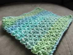 [Free Pattern] This Makes A Loose, Thinner Dishcloth Than Any Other Worsted Weight Patterns ༺✿ƬⱤღ https://www.pinterest.com/teretegui/✿༻