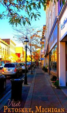 Downtown Petoskey is a great summer destination in Michigan! Visit Petoskey and 9 other great destinations this summer. Petoskey Michigan, Michigan Usa, Northern Michigan, Lake Michigan, Wisconsin, Michigan Vacations, Michigan Travel, Vacation Trips, Vacation Spots