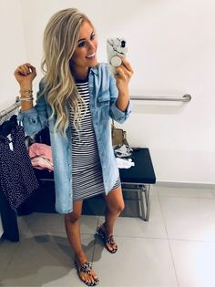Stripped dress & chambray top - Clothes I love - Modetrends Cute Cheap Dresses, Look Camisa Jeans, Look Fashion, Fashion Outfits, Womens Fashion, Cheap Fashion, High Fashion, Fashion Trends, Mode Rock