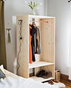 Modern Wooden Wardrobe DIY - A Beautiful Mess Adjust the measurements to make this child sized, and you have the perfect DIY wardrobe for a Monte Diy Clothes Rack, Diy Closet, Diy Modern Furniture, Interior, Diy Furniture, Diy Wardrobe, Home Decor, Diy Decor, Wooden Diy