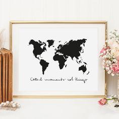 """Als Weltenbummler ist dieses schöne Schwarz-Weiß-Poster von Tales by Jen ein Muss. """"Collect moments, not things"""". Jetzt online kaufen. Schon ab 9,90€."""