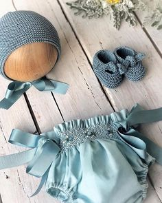 Knitted Baby Clothes, Baby Kids Clothes, Doll Clothes, Wedding Dresses For Girls, Little Girl Dresses, Baby Girl Fashion, Kids Fashion, Baby Knitting, Crochet Baby