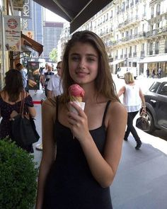 Image shared by Sean Deware. Find images and videos about model, ice cream and taylor hill on We Heart It - the app to get lost in what you love. Taylor Marie Hill, Taylor Hill Style, Victoria Secret Fashion, Woman Crush, Mannequins, Role Models, Fashion Models, Girl Fashion, Supermodels