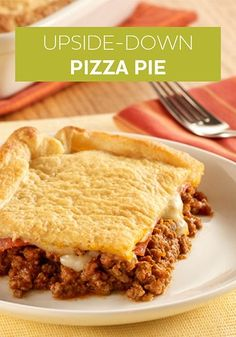Meat Lover's Upside-Down Pizza Pie: A twist on a pizza recipe in an upside-down bake with ground beef, Italian sausage, pepperoni, tomato sauce and mozzarella cheese Easy Weeknight Meals, Easy Meals, Kid Meals, Pizza Recipes, Cooking Recipes, Lamb Recipes, Family Recipes, Meat Recipes, Pizza