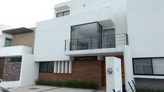 Casa en Venta en Juriquilla La Condesa. Única con Enormes Espacios. $2,800,000