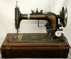 Rare Vintage Primitive Portable Cast Iron Light Running New Home Vibrating Shuttle Sewing Machine 1923~It Works!