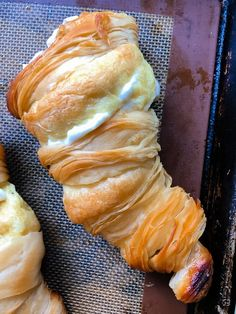 Lobster Tail Pastry Up for a real baking challenge? Try these lobster tail pastries, an Italian American pastry with a flaky crispy exterior lined with pate a choux (cream puff dough) and filled with sweetened vanilla ricotta whipped cream. Baked Lobster Tails, Broiled Lobster Tails Recipe, Broil Lobster Tail, Italian Lobster Tail Pastry Recipe, Ricotta, Cooking Frozen Lobster Tails, Instant Pot, Butter Poached Lobster, Bbq