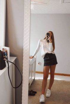 teenager outfits for school ~ teenager outfits ; teenager outfits for school ; teenager outfits for school cute Teen Fashion Outfits, Look Fashion, Trendy Outfits, Teen Fashion Fall, Fashion For Teens, Mean Girls Outfits, Freshman Outfits, Teen Girl Fashion, Fashion Clothes