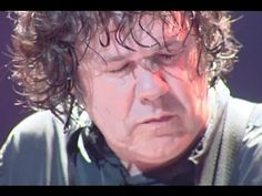 Gary Moore - Parisienne Walkways - Live HD --- listen to the song the whole way through to truly appreciate Gary Moore's talent...
