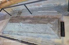 Temple Church - Round Church *** Temple Church, a Londra la chiesa dei Templari *** #Londra #London #TempleChurch ** Lapide marmorea in marmo di Purbeck probabilmente riferita a Riccardo di Hastings, Maestro del Tempio che era responsabile per la costruzione del nuovo tempio. Questo risulta essere il più antico monumento all'interno della chiesa