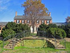 Virtual Tour, Chatham Manor - Fredericksburg & Spotsylvania National Military Park (U. Chatham Manor, Images Of Virginia, Georgian Mansion, French Creole, Virginia Is For Lovers, West Indies, Virtual Tour, Lawn, National Parks