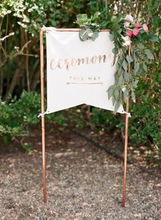 7 Ways to make Wedding Signs using your Cricut!