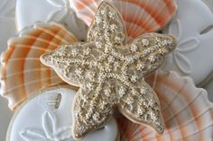 creating texture on a starfish tutorial by Clough'D 9 Cookies Star Cookies, Fancy Cookies, Iced Cookies, Cut Out Cookies, Royal Icing Cookies, Starfish Cookies, Sugar Cookie Cakes, Sea Cakes, Cookie Tutorials