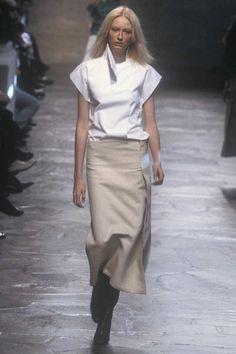 Nicolas Ghesquire for Balenciaga Spring/Summer 1999 Balenciaga Top, Balenciaga Spring, Minimal Fashion, Modern Fashion, Nicolas Ghesquière, Golf Wear, Neutral Outfit, Fashion Details, Couture Fashion