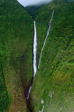 Molokai Waterfalls, Maui ***Been There*** need to go back with Ryan :)