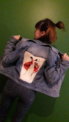 Рисунки на одежде акриловыми красками. Роспись одежды, ручная работа. Губы, red lips, lips. Роспись джинсовой куртки