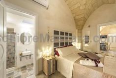 La Luna In Cortile Lecce La Luna In Cortile is set in Lecce, 1.1 km from Piazza Mazzini. Each room at this bed and breakfast is air conditioned and has a flat-screen TV. All rooms are equipped with a private bathroom equipped with a bath or shower.