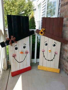 Snowman and scarecrow pallets