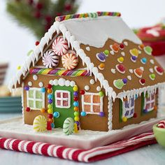 Gingerbread House Pictures, Homemade Gingerbread House, Gingerbread House Candy, Graham Cracker Gingerbread House, Gingerbread House Template, Gingerbread House Designs, Gingerbread Decorations, Gingerbread Cookies, Gingerbread House Decorating Ideas