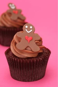 @Kathleen S S DeCosmo  ❥ ♡❤♥  #Christmas #Cupcakes ❤♡♥  Peggy Porshen
