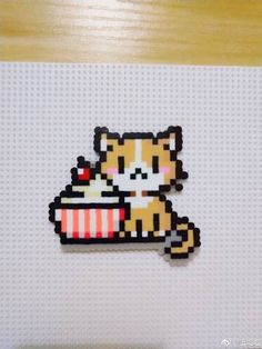 cat with cupcake Perler Bead Templates, Diy Perler Beads, Perler Bead Art, Pearler Beads, Fuse Beads, Pixel Art, Pearler Bead Patterns, Perler Patterns, Hama Beads Kawaii