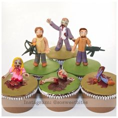 The Walking Dead chocolate cupcakes with all edible handmade fondant toppers! For recipes, ideas, tutorials & more follow me @sosweetbites on Instagram!