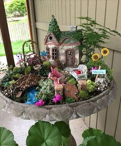 50+ Fairy Garden Ideas_7