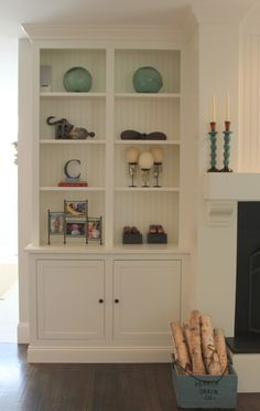Built-in bookcase - possibly two built in's around the door to office, with shelf over door joining them? they could be pretty shallow so it doesn't take up mucho space but it would be great! Fireplace Bookcase, Fireplace Built Ins, Fireplace Ideas, Fireplace Redo, Fireplace Mantels, Saint Tropez, Built In Bookcase, Bookcases, Bookshelf Ideas