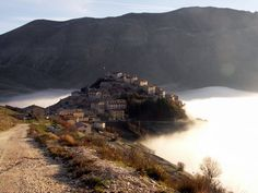 Castelluccio is a village in Umbria, in the Apennine Mountains of central Italy Umbria Italy, Italy Tours, Wine Art, Southern Italy, Lake Garda, Places Of Interest, Verona, Beautiful Landscapes, National Parks