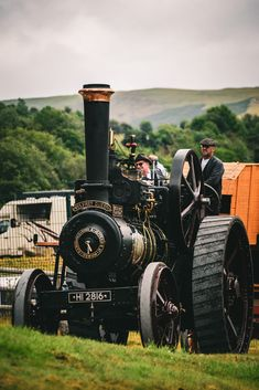 Royal Welsh Agricultural Show, UK Royal Welsh, Country Life, Great Britain, Farms, Antique Cars, Monster Trucks, Photography, Vintage Cars, Homesteads