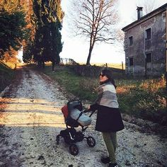 Relaxing strolls into the countryside, thanks @mati_john #janeepic // Paseos relajantes por el campo