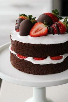 A Naked Chocolate Cake with Dairy-Free Coconut Cream topped with Chocolate Dipped Strawberries. The perfect pair for Valentine's day. Chocolate Strawberry Cake, Strawberry Cakes, Chocolate Naked Cake, Chocolate Dipped, Strawberry Shortcake, Strawberry Cake Decorations, Choco Chocolate, Chocolate Strawberries, Pretty Birthday Cakes