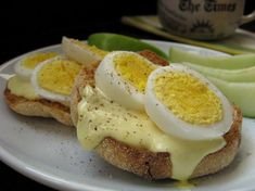 WW Devilishly Good Breakfast Sandwich ~  1 whole wheat English muffin 1 hard-boiled egg, sliced into 8 pieces 2 teaspoons low-fat mayonnaise 1 teaspoon mustard 1/4 teaspoon vinegar  Directions: Mix mayo, mustard and vinegar to make a sauce. Cut muffin in half and toast, pour sauce over each 1/2 and place egg slices on top, salt and pepper as desired. Eat open faced.