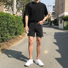 Korean Fashion Trends you can Steal – Designer Fashion Tips Asian Men Fashion, Korean Fashion Trends, Fashion Mode, Urban Fashion, Emo Fashion, Fashion Outfits, Retro Outfits, Trendy Outfits, Korean Summer Outfits