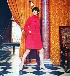 Sophie Derly is wearing Ted Lapidus, Libelle (Dutch) March 1968