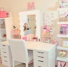room and pink Bild