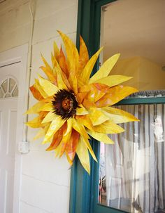 giant-sunflower-craft-paoer-painted-640.jpg 640×822 пикс