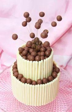 White chocolate and Malteaser cake Beautiful Cakes, Amazing Cakes, Malteaser Cake, Novelty Cakes, Occasion Cakes, Fancy Cakes, Love Cake, Creative Cakes, Cake Creations