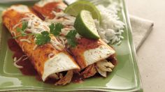 Chicken Enchiladas for people with Diabetes. Add a fiesta of flavor to chicken with garlic, lime and fresh greens. Mexican Dishes, Mexican Food Recipes, Dinner Recipes, Ethnic Recipes, Mexican Meals, Dinner Ideas, Yummy Recipes, Mexican Chicken, Supper Ideas