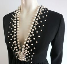 Vintage DONALD BROOKS Pearl beaded black crepe dress (=) The most beautiful and newest outfit ideas Fashion Details, Diy Fashion, Ideias Fashion, Womens Fashion, Fashion Design, Diy Clothes, Clothes For Women, Designer Evening Dresses, Crepe Dress