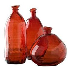 Perfect red, beautiful organic shapes and 100% recycled glass