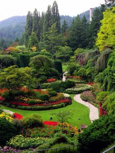 "Could we ever see too many photos of Butchart Gardens? I think not. Karen Harris (who lives in Raleigh, North Carolina) visited recently, and is sharing with us today. She says, ""Here are some photos..."