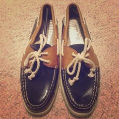 Sperry Top-Sider NWOT Sperry Top-Sider's. Navy blue & brown. Size 8. MAKE ME AN OFFER! Sperry Top-Sider Shoes Flats & Loafers