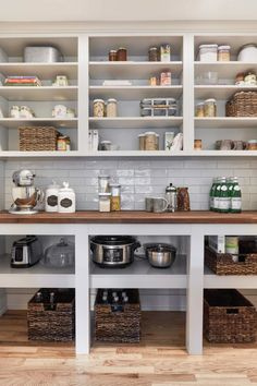 Farmhouse Kitchen Pantry Inspiration-The Best Farmhouse Pantry Inspiration – A. Farmhouse Kitchen Pantry Inspiration-The Best Farmhouse Pantry Inspiration – A huge collection of Pantry Laundry Room, Kitchen Pantry Storage, Pantry Shelving, Kitchen Pantry Design, Home Decor Kitchen, New Kitchen, Home Kitchens, 10x10 Kitchen, Pantry Organization