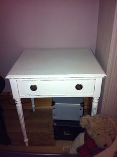 Chalk painted side table: Shabby Chic