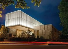 A view of the exterior of the new Barnes Foundation building in Philadelphia designed by Tod Williams Billie Tsien Architects. Description from themagazineantiques.com. I searched for this on bing.com/images