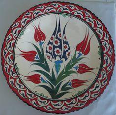 Ceramic Tile Art, Ceramic Plates, Decorative Plates, Ceramics Tile, Turkish Art, Turkish Tiles, Ceramic Figures, Pottery Painting, Tile Patterns